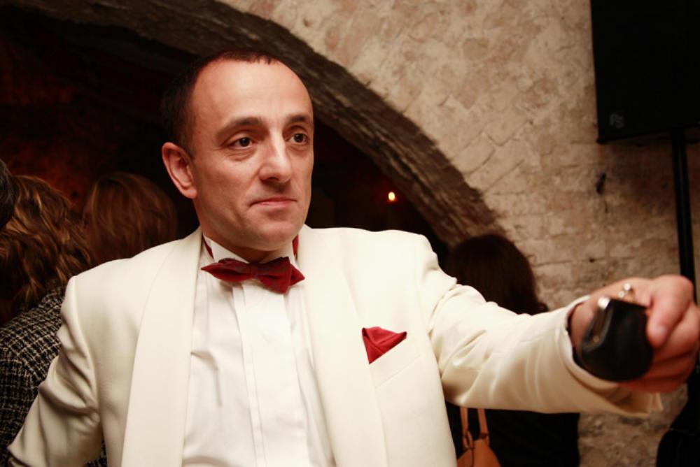 Zauberer Hakan Varol verzaubert auch Ihre Hochzeit in Bad Lipspringe.